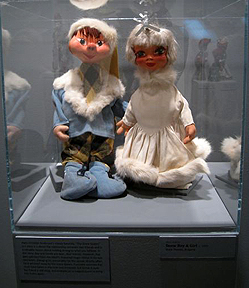 Snow Couple Hand Puppets